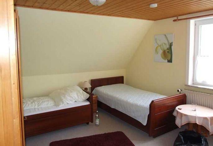 Wohnbeispiel Doppelzimmer mit 2 Betten