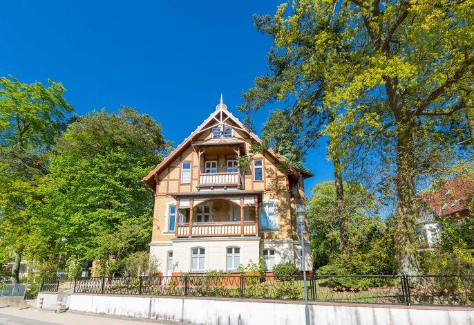 Haus auf dem Hügel - Die Klassische 06