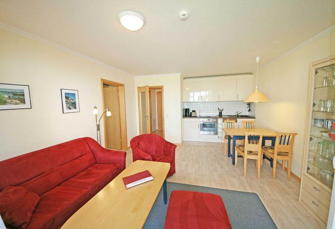 Wohnbereich mit Blick zur offenen Küche