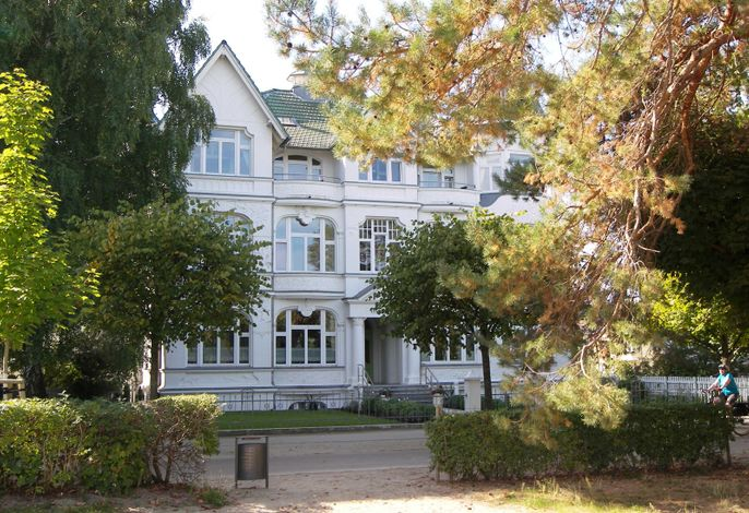 Villa Germania, Ferienwohnung 12 R + 12 L