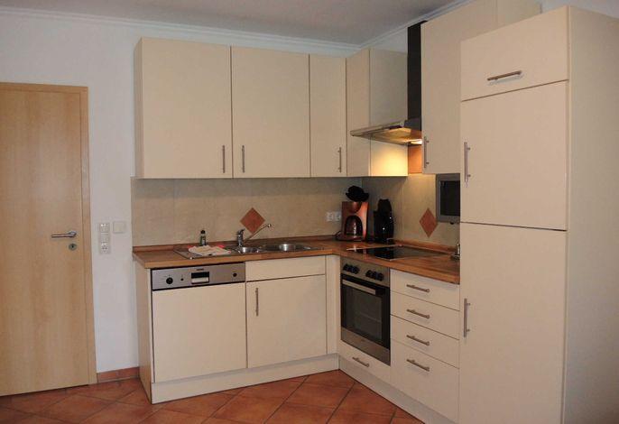 Wohn-, Esszimmer mit integrierter Küche
