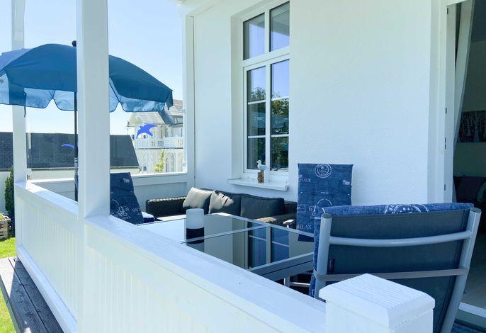 Gemütliche Lounge-Möbel laden zum Entspannen ein!