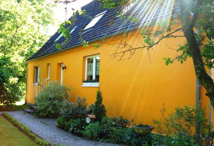 Fewo Sündermann mit Terrasse, Pavillon und Grill
