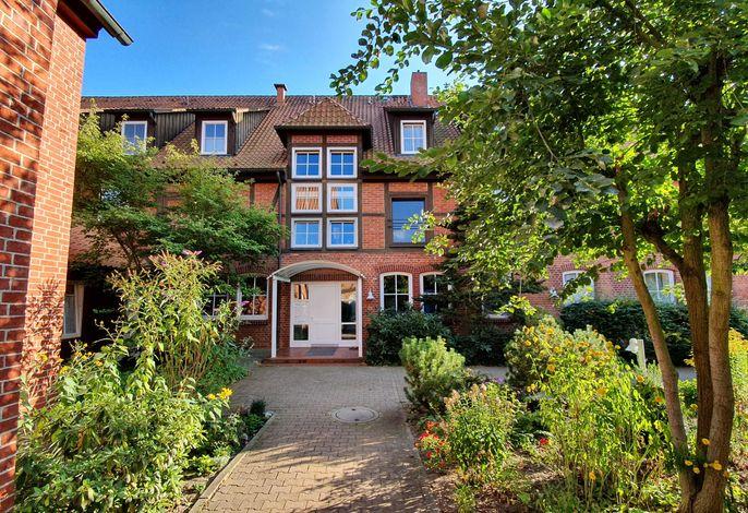 Ferienwohnung Ilmenau - Gebäudeansicht mit Hauseingang im Innenhof