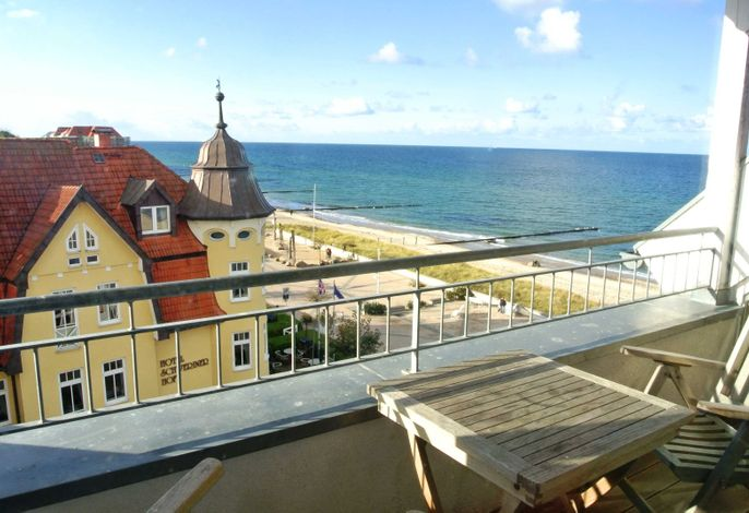 Balkon mit freiem Meerblick