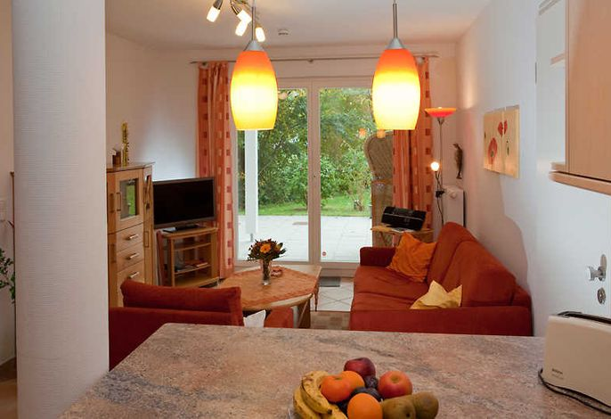 Wohnraum mit Blick zur Terrasse