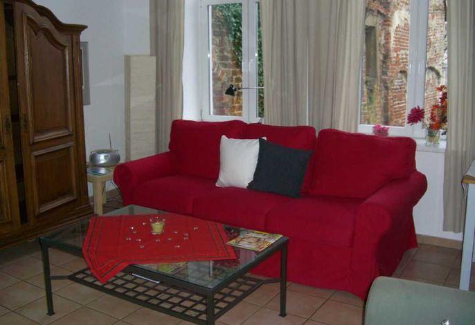 Wohnzimmer mit Bettsofa