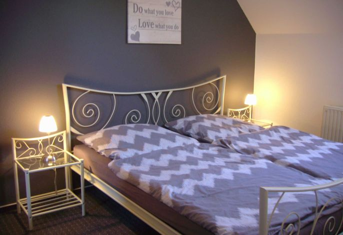 Schlafzimmer Hedy