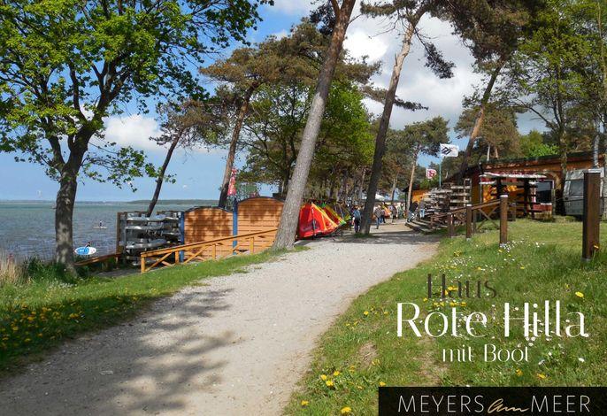 Rotes Strandhaus mit Boot in Pepelow, 50m zum Strand - Ostsee - Naturstrand - Ferienhaus direkt am Strand - 4 Personen - Wlan - Surfschule - San Pepelone