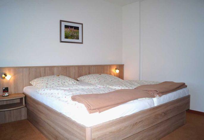 Doppelzimmer 5 mit Doppelbett