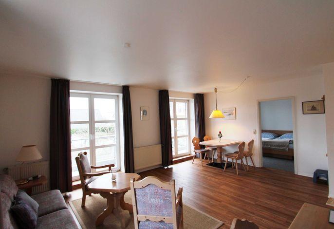 Wohnzimmer Richtung Balkon