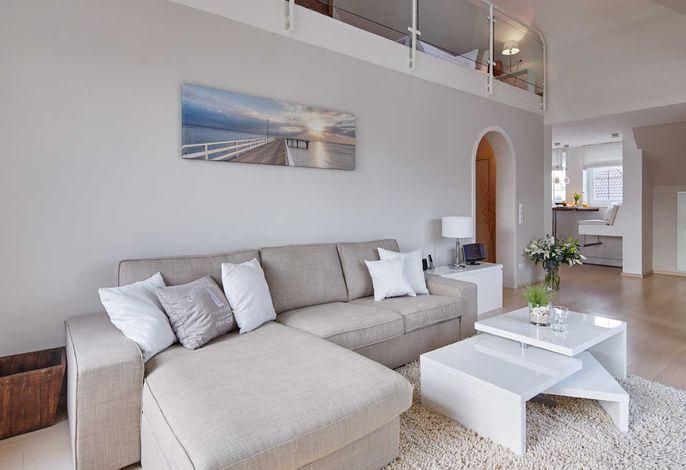 1) Techt's Apartmenthaus