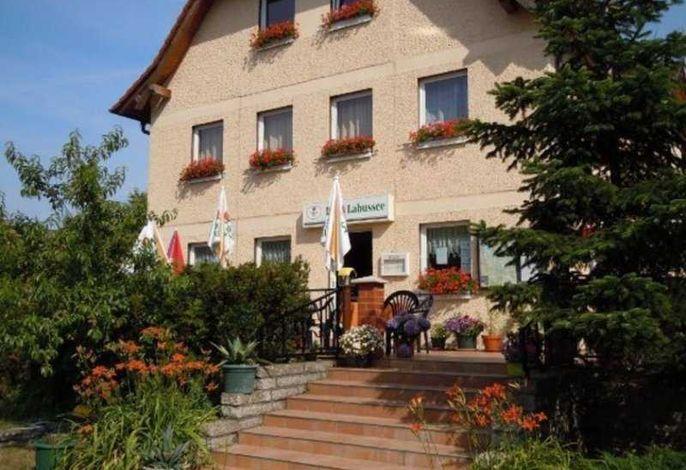 Labussee Ferien GmbH (22518)