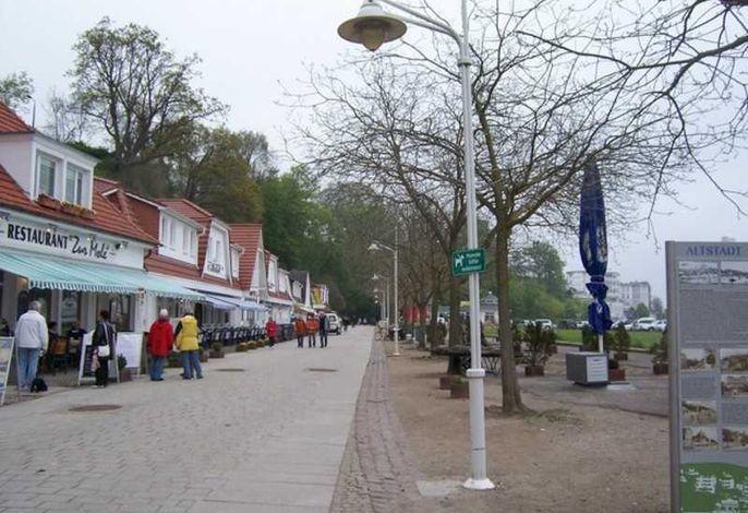 Hotel mit Fischspezialitätenrestaurant mit Seeblick von