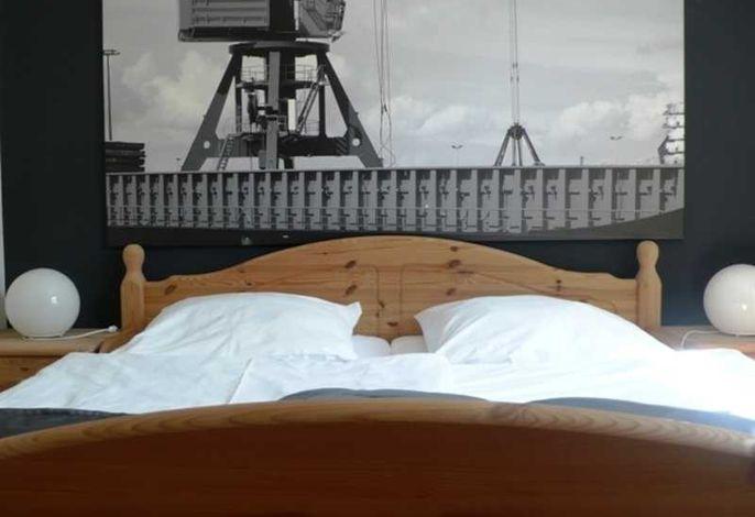 Bunter Hund 04 - Pier 13
