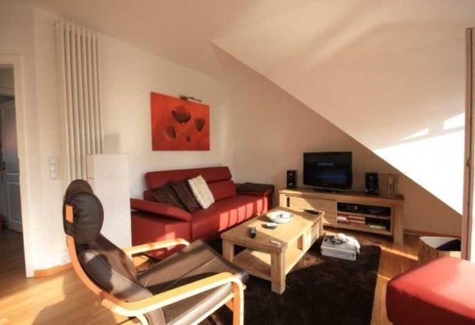 Wohnraum mit TV und WLAN