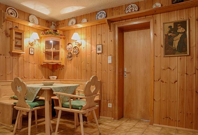 Gästehaus Max-Josef in Tegernsee in ruhiger dennoch zentraler Lage - Ferienwohnung Neureuth