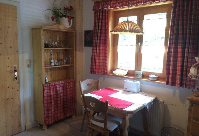 Wohnzimmer: Esstisch für 2 Personen