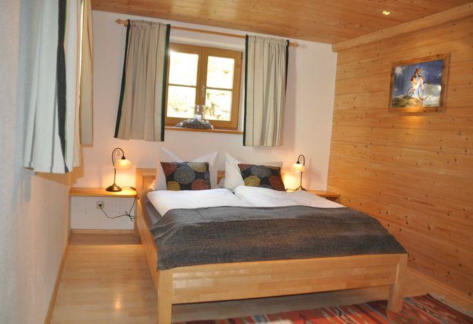 gemütliches, alpine Lifestyle Design mit sanfter Beleuchtung für Ihre nächste Auszeit.