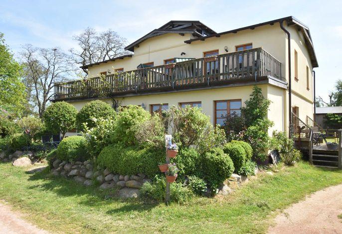Villa Seeheim Ferienobjekt direkt am Wasser OVS 692