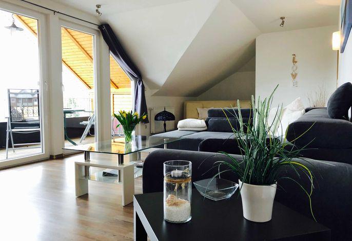Sofa mit Blick auf die Loggia