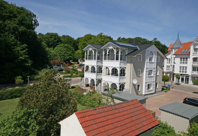 H: Villa Wilhelmine Whg. 03 Kreidezimmer mit Balkon