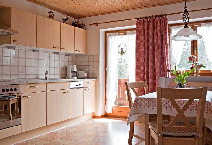 Schöne geräumige Wohnküche mit bester Ausstattung.
