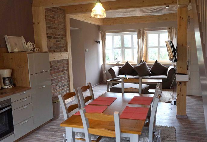 offene Wohnküche mit Essbereich