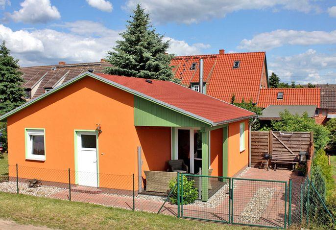 kleines Ferienhaus am Feldrand