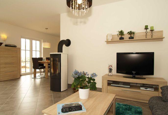 Der Wohnbereich miot Flachbild-TV
