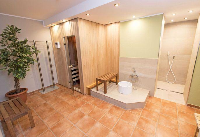 Villa Seerose F700 WG 15 im EG mit Terrasse + eigener Sauna