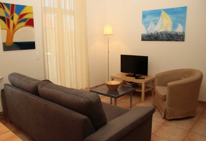 Wohnbereich mit Fernseher