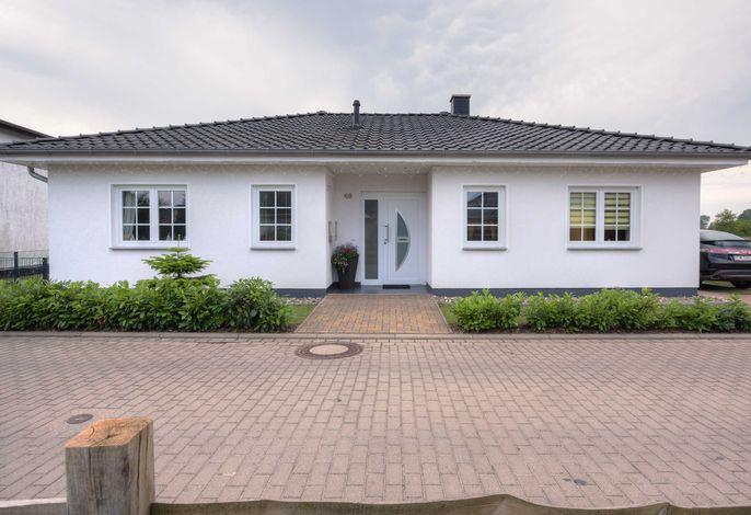 Karlshagen, Ferienhaus am Deich