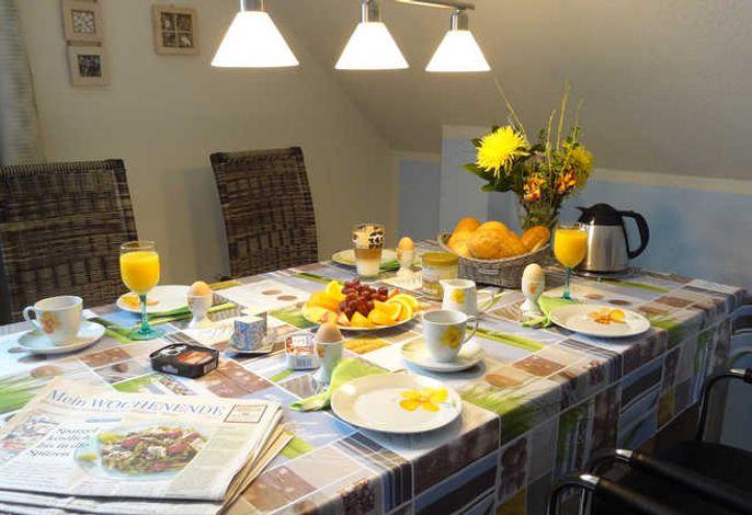 gemütlich Frühstücken Haus OF