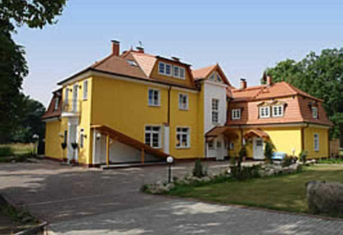 Herrenhaus Poppelvitz