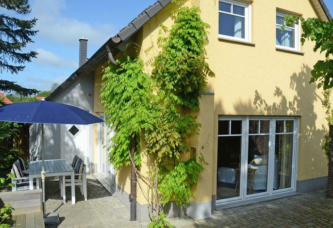 Haus Baabinchen F615 mit großer Sonnenterrasse in Baabe