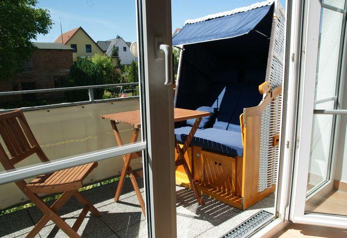 Katharina  Whg 105 2 Raum mit Balkon