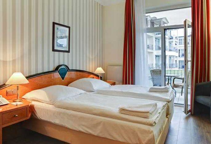 SEETELHOTEL Pommerscher Hof - Zimmerbeispiel Doppel mit Balkon