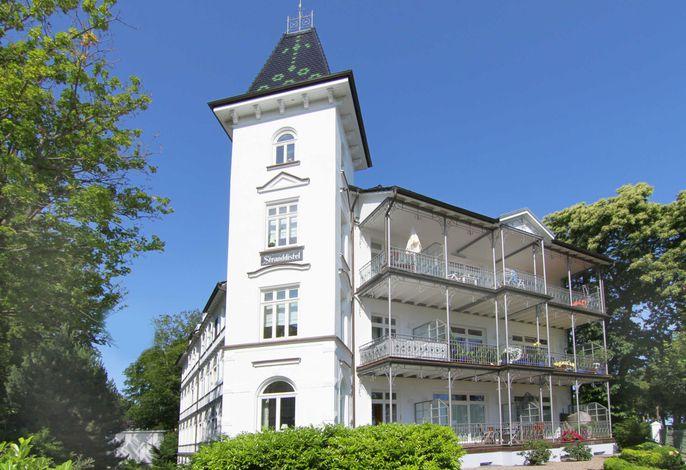 Urlaub direkt am Badestrand in Binz - die Villa Stranddistel