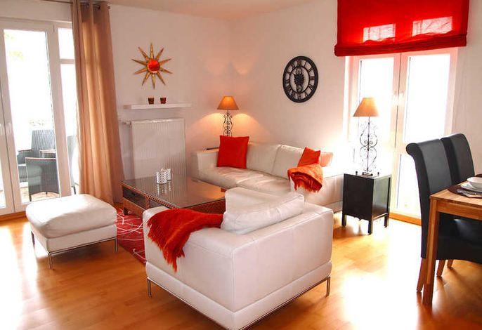 super schickes Wohnzimmer mit sogar etwas Meerblick