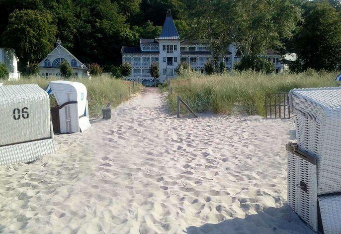 Seeschloss direkt an der Strandpromenade, TOPLAGE