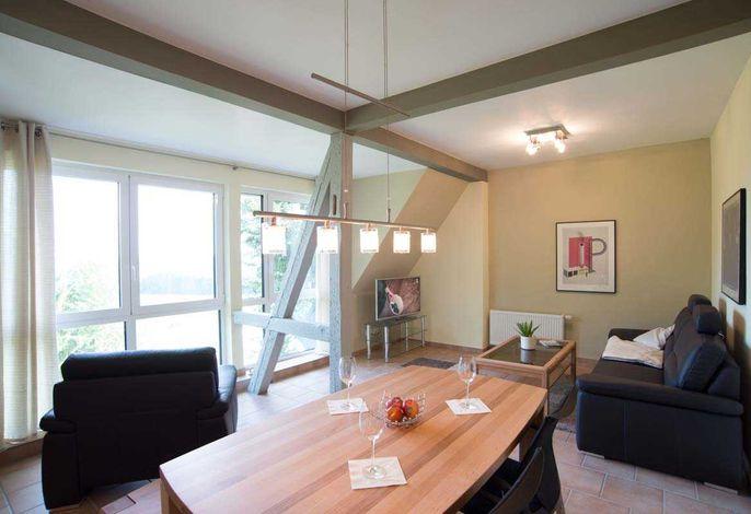 Wohn- / Essbereich mit Panoramafenster
