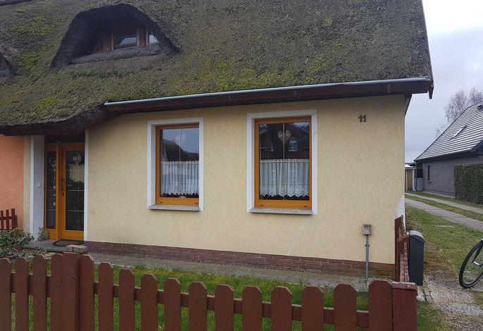 Reetdachferienhaus mit Kamin und WLAN