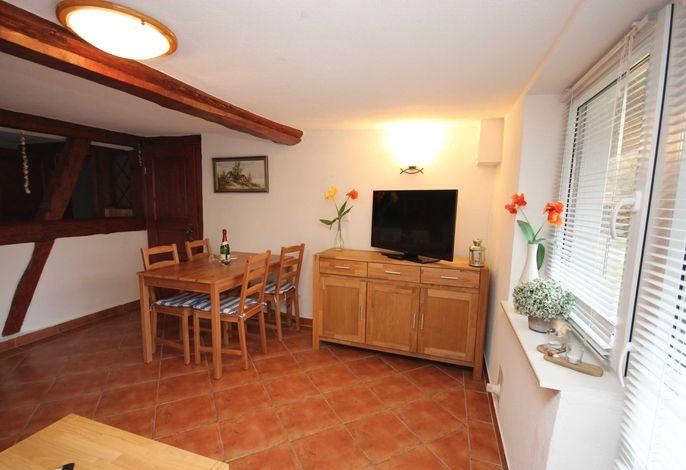 offenes Wohnzimmer mit Essplatz