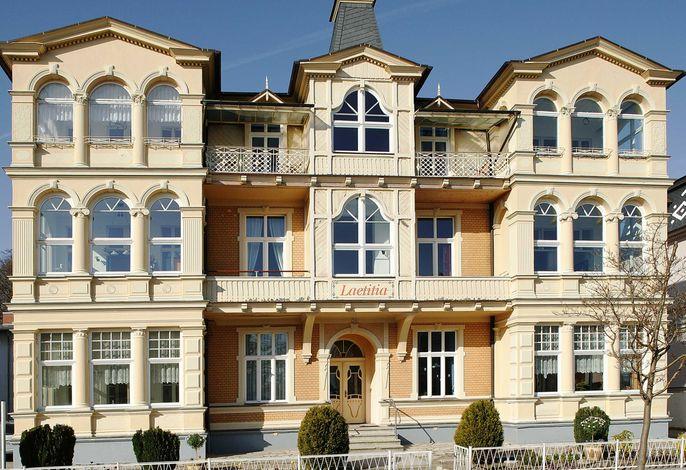 Villa Laetitia, Stelkens