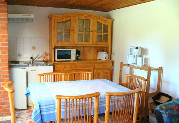 Offener Küchen- und Essbereich im Ferienhaus 2