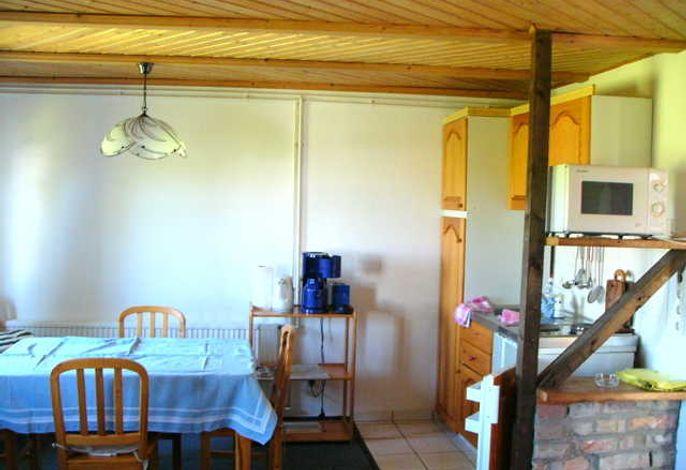 Offene Küche mit Essbereich im Ferienhaus 1