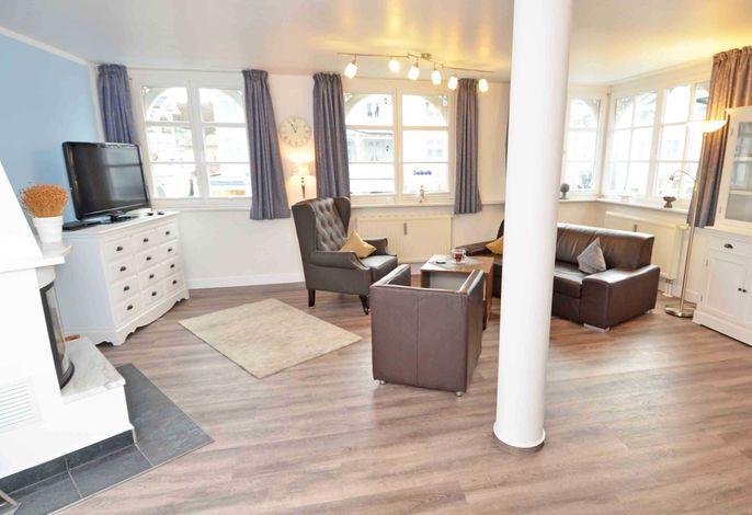 Villa Binz im Ostseebad Binz WG 05 Lust & Meer - großzügiger Wohnbereich mit Schlafsofa (1,25x2,00m)
