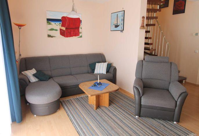 kombinierter Wohnraum mit Essbereich und Küche