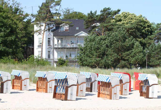 direkt am Strand mit Strandkorb